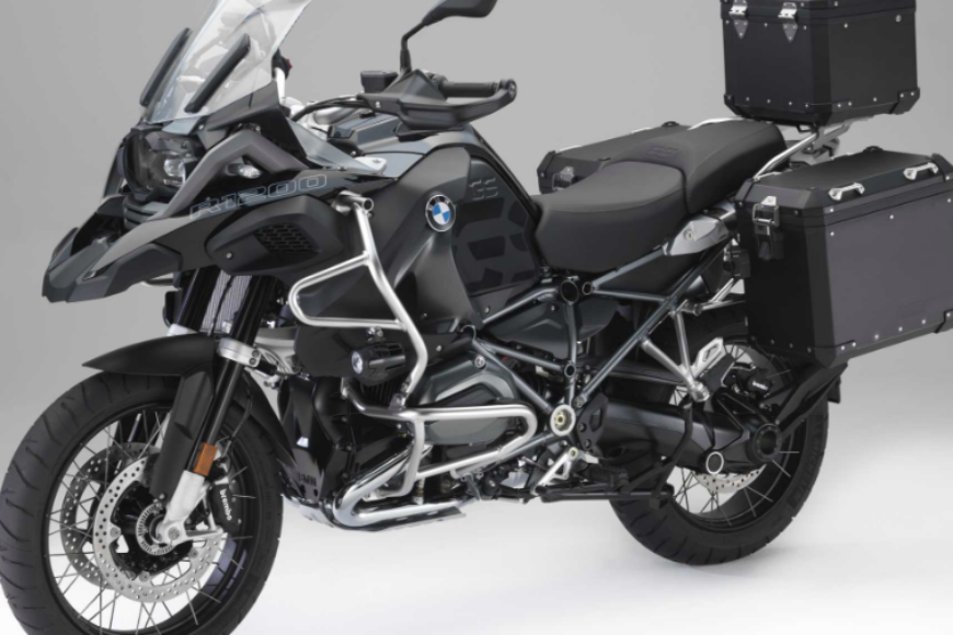 "Nuovi Accessori BMW Motorrad ""Edition Black"""