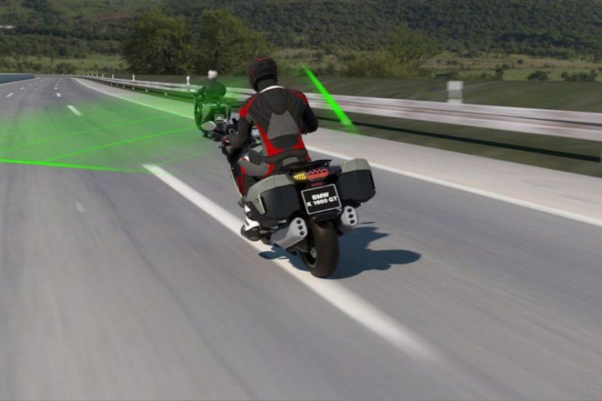BMW Motorrad lancia il nuovo Adaptive Cruise Control